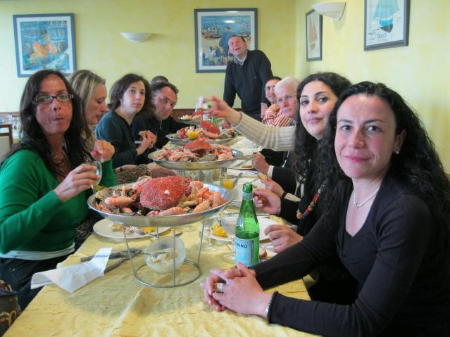 santivo-pellegrinaggio-in-bretagna-maggio-2011-026-rid-cena-perros-guirec